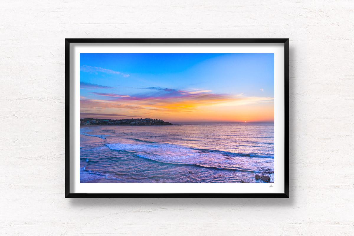 Spectacular sun starting to rise over Bondi Beach